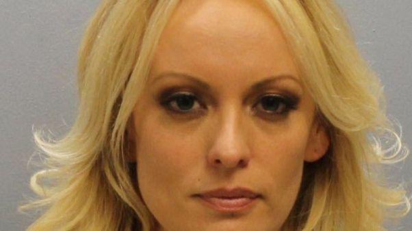 محام: الممثلة الإباحية دانيلز تعرضت لتهديد جسدي لكتمان علاقتها بترامب