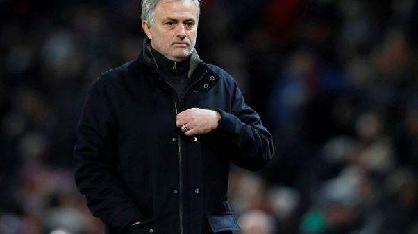 مورينيو يدافع غاضبا عن انجازاته مع مانشستر يونايتد
