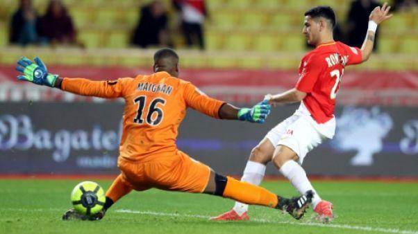 Ligue 1: Monaco, dans la douleur, bat Lille qui s'enfonce