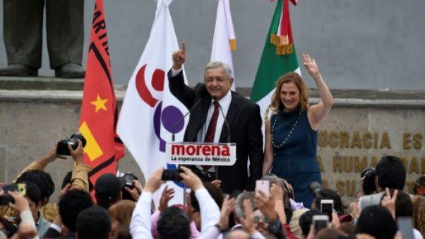 Mexique: Lopez Obrador officiellement candidat à la présidentielle