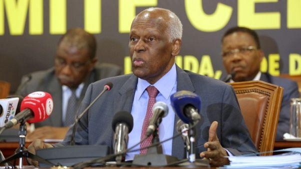 الحزب الحاكم في أنجولا يبحث الشهر المقبل موعد تعيين خلف لدوس سانتوس