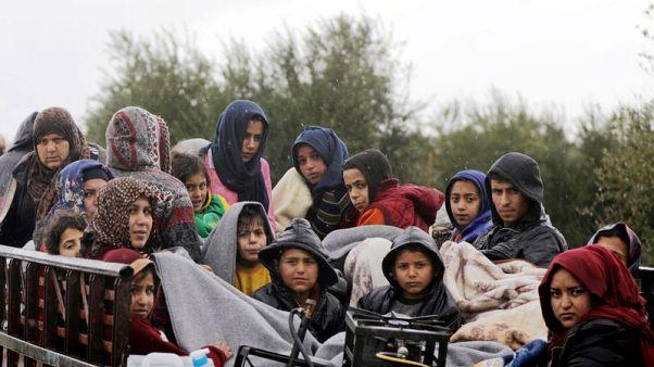 مسؤولة كردية والمرصد السوري: أكثر من 150 ألفا نزحوا عن عفرين