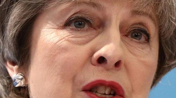 ماي تقول لندن تبحث خطواتها التالية بعد طرد دبلوماسيين بريطانيين من روسيا