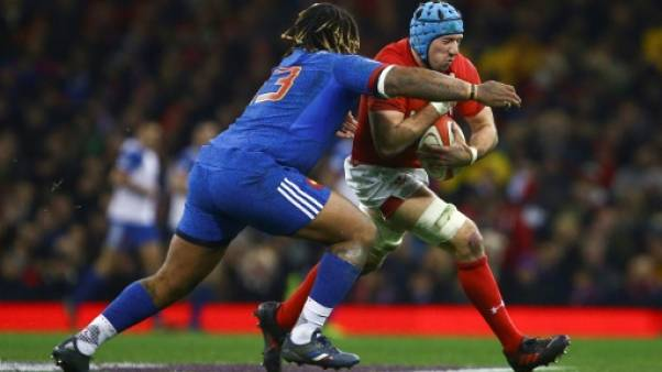 Tournoi: le XV de France mené à la mi-temps au pays de Galles 14-10