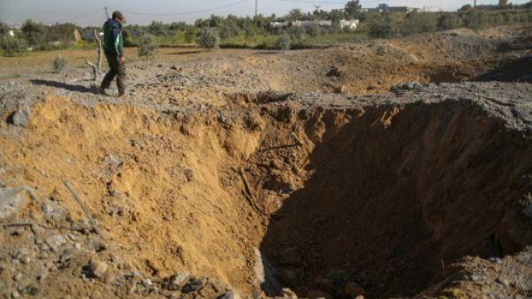 """Israël bombarde des installations """"souterraines"""" du Hamas dans la bande de Gaza"""