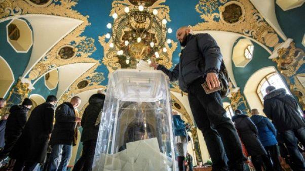 Russie: l'opposition et des ONG dénoncent des milliers d'irrégularités