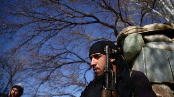 الأسد يتفقد الجيش على جبهة الغوطة والمعارضة تتفاوض مع الأمم المتحدة