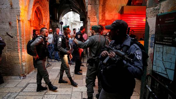 مستشفى:وفاة إسرائيلي متأثرا بجروحه بعد طعنه في القدس القديمة