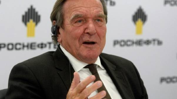 Merkel refuse de sanctionner l'ex-chancelier Schröder
