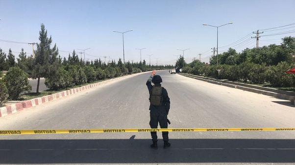 مقتل 32 على الأقل في هجوم انتحاري قرب مزار شيعي في كابول