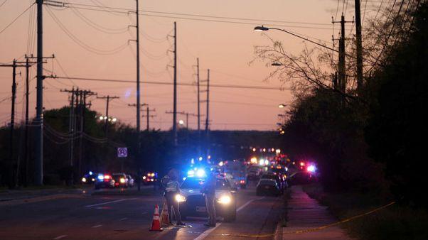 مسؤولون: مشتبه به في الطرود الملغومة بولاية تكساس يفجر نفسه