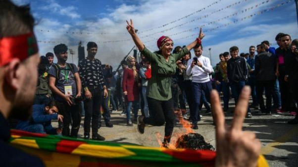 Turquie: les Kurdes célèbrent Norouz dans une ambiance tendue