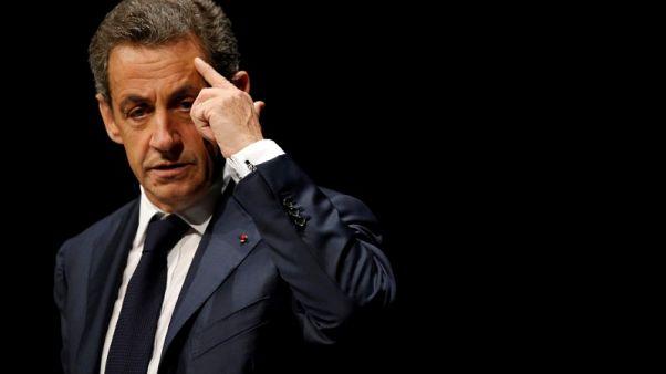 قضاة فرنسيون يضعون ساركوزي قيد تحقيق رسمي بشأن تمويل ليبي غير قانوني