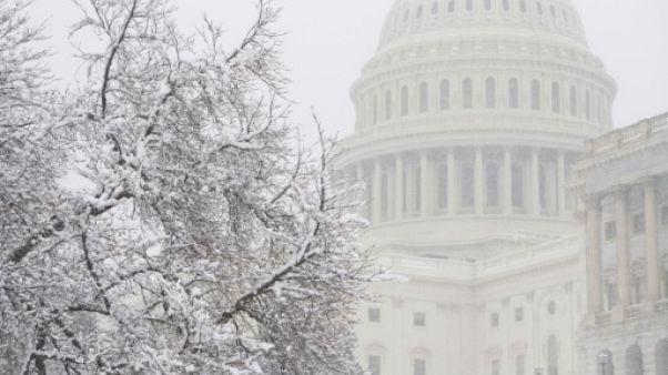 """Etats-Unis: compromis budgétaire au Congrès pour éviter un """"shutdown"""""""