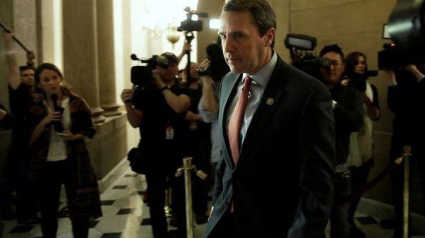 الكونجرس يكشف عن مشروع قانون للإنفاق بقيمة 1.3 تريليون دولار