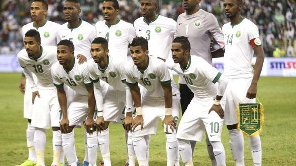 العابد والمولد والشهري أوراق سعودية رابحة في كأس العالم