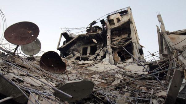 حزب الله: إطلاق سراح 13 جنديا سوريا مقابل 5 مقاتلين في حرستا