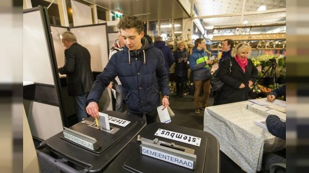 """Pays-Bas: vers la victoire du """"non"""" au  référendum sur le renseignement"""