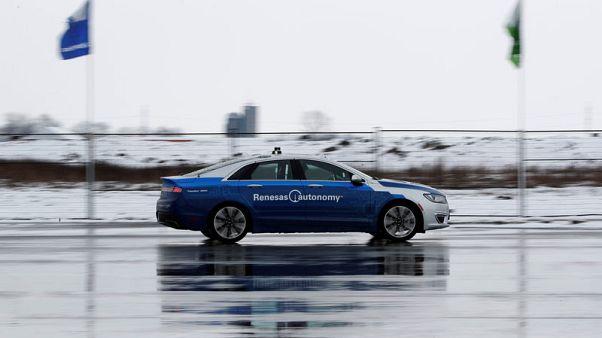 في كندا.. السيارات ذاتية القيادة تتعلم الرؤية وسط الثلوج