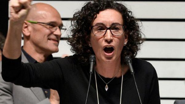 """Catalogne: une nouvelle indépendantiste ignore une convocation judiciaire et annonce son """"exil"""""""