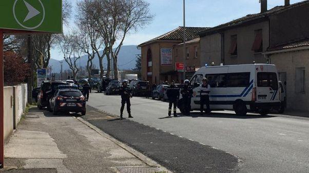 مقتل 3 في إطلاق نار واحتجاز رهائن في فرنسا ومقتل المهاجم
