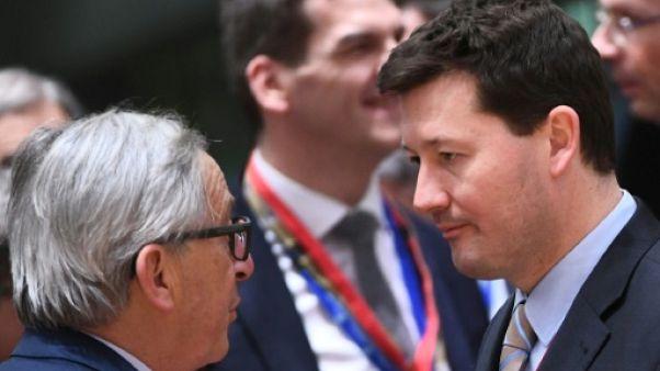Juncker soutient son proche conseiller au coeur d'une polémique sur sa promotion