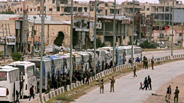 الجيش السوري يحتفل بالنصر بعد انسحاب مسلحي المعارضة من أغلب الغوطة