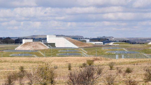 مركز بحثي بريطاني ينفي أن يكون مصدرا لغاز أعصاب استخدم لتسميم جاسوس سابق