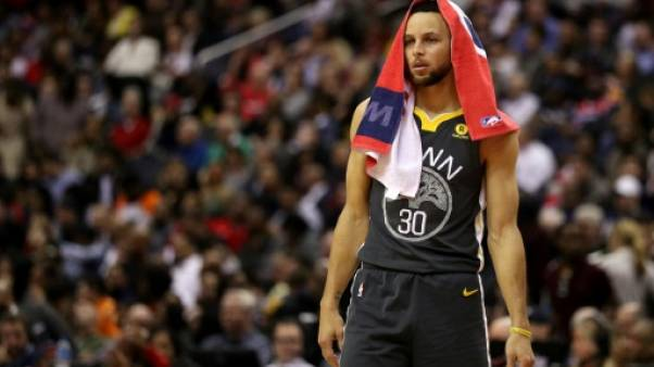 NBA: Curry indisponible au moins trois semaines