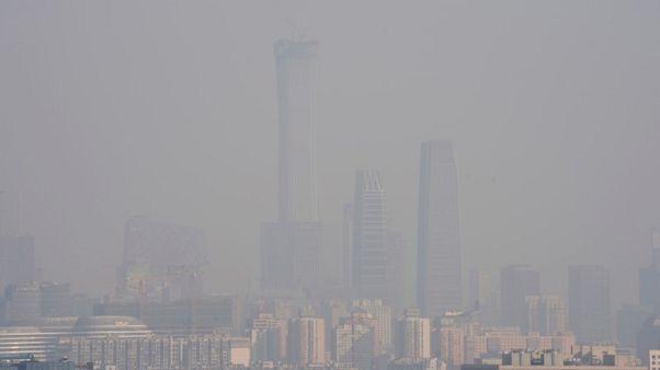 بكين تصدر تحذيرا من الضباب الدخاني