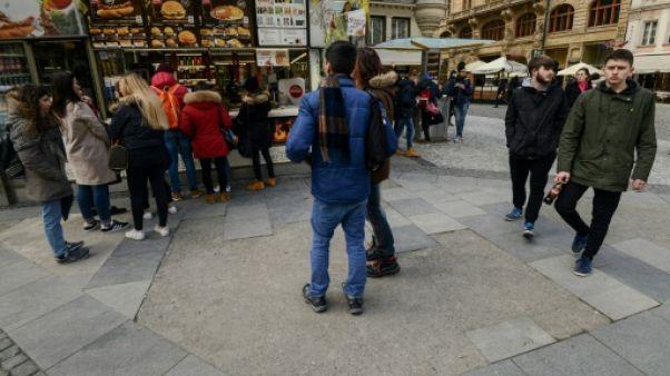 A Prague, sans le savoir, on foule aux pieds des stèles juives