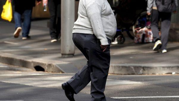 دراسة أمريكية تربط البدانة بقصر العمر