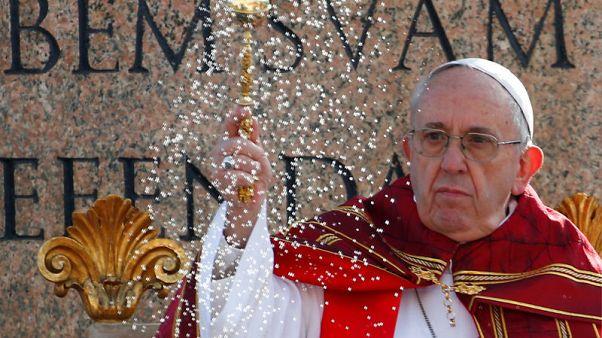 بابا الفاتيكان يحث الشبان على التعبير عن رأيهم