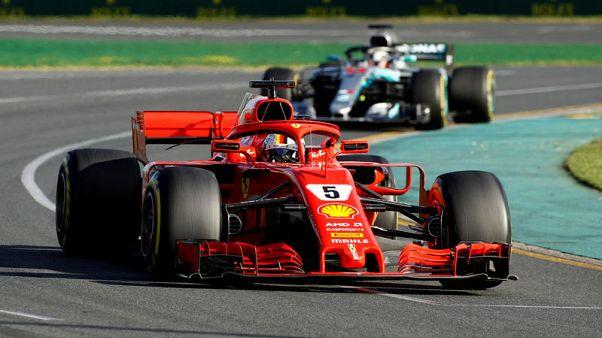 فيتل سائق فيراري يفوز بسباق استراليا الافتتاحي في فورمولا 1