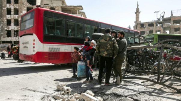 Syrie: nouvelles évacuations de rebelles et de civils de la Ghouta
