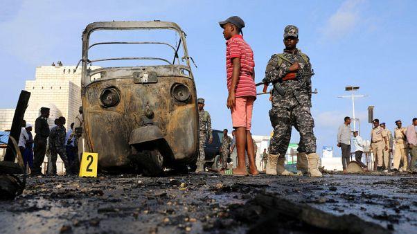 مقتل ثلاثة في تفجير انتحاري بسيارة ملغومة قرب البرلمان الصومالي