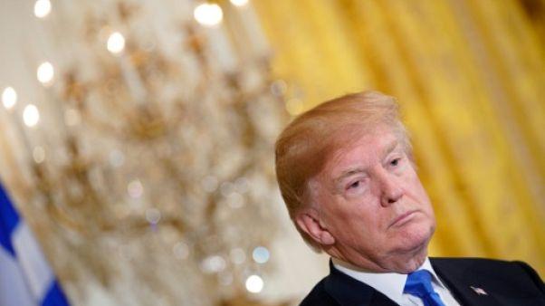Trump dit n'avoir aucun mal à trouver un avocat, malgré défections et refus