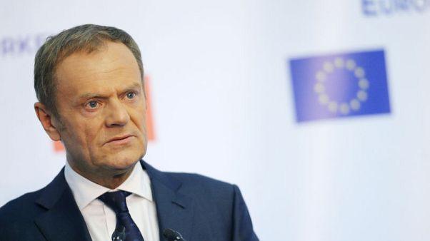 توسك: 14 دولة في الاتحاد الأوروبي قررت طرد دبلوماسيين روس
