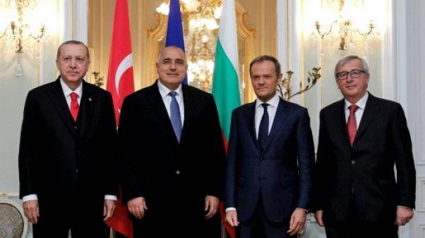 """L'UE et la Turquie se parlent, mais sans avancées """"concrètes"""""""