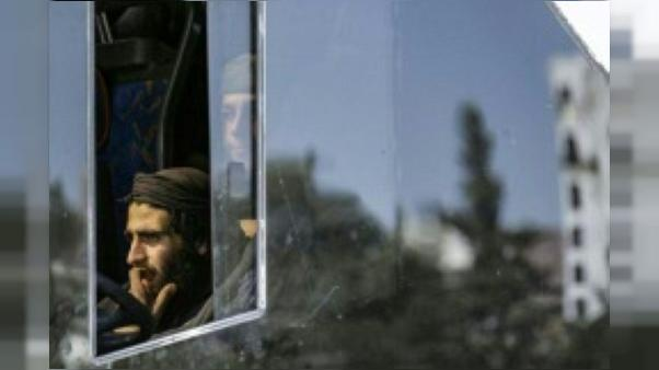 Pour les évacués de la Ghouta, un voyage épuisant dans une Syrie divisée