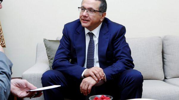 وزير المالية: الحكومة لا تخطط لبيع حصتها في اتصالات المغرب