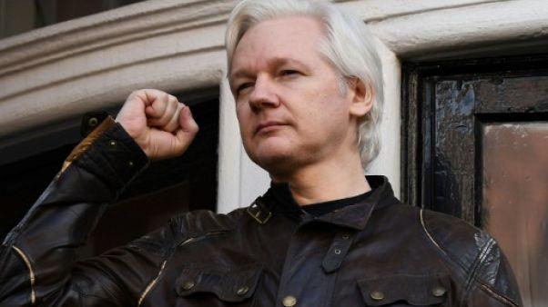 """Julian Assange est un """"misérable petit ver de terre"""", selon un ministre britannique"""