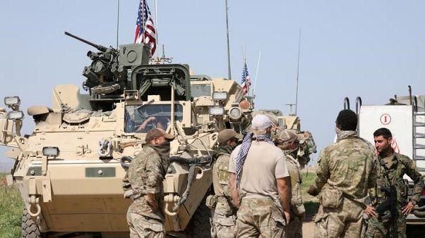 بعد حشد لفترة وجيزة...قوات موالية لدمشق تبتعد عن مواقع قوات أمريكية