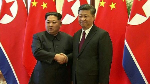 Kim Jong Un accueilli en grande pompe à Pékin avant son sommet avec Trump