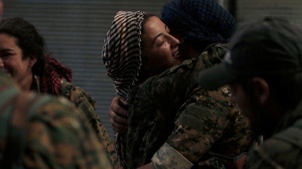تركيا تقول إنها ستتحرك إذا لم يغادر مسلحون أكراد منبج السورية