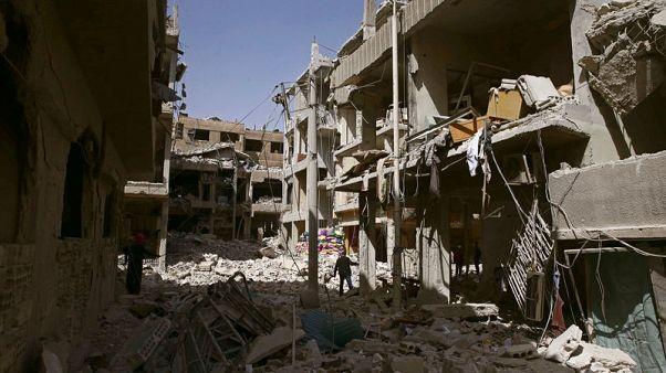 """القوات الحكومية السورية تستعد لعملية """"ضخمة"""" في آخر معقل للمعارضة بالغوطة"""