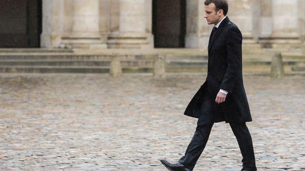 الشرطة الفرنسية تطارد رجلا قاد سيارته مسرعا باتجاه جنود