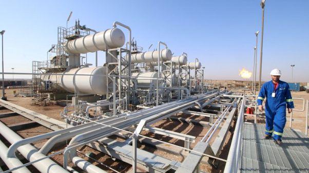 العراق يخفض الرسوم المدفوعة لشركات النفط الأجنبية