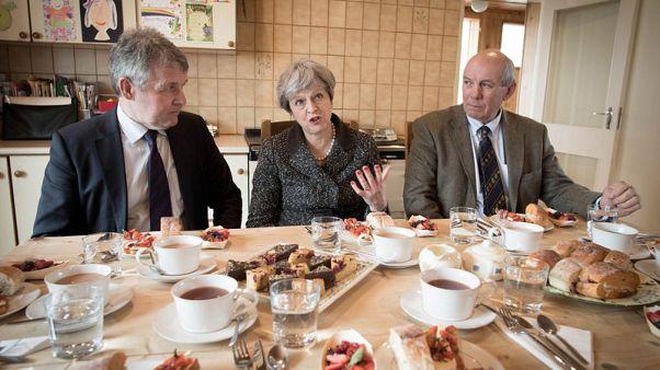 ماي تتعهد بمستقبل مشرق خلال جولة بأنحاء بريطانيا