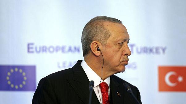 "إردوغان: نهج فرنسا إزاء سوريا ""خاطئ تماما"""